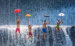 CATERS_WATERFALL_PLAY_11-800x498
